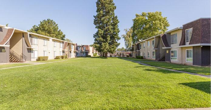 Bella Pointe Apartments