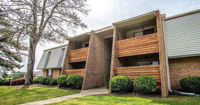 Central Oak Apartments